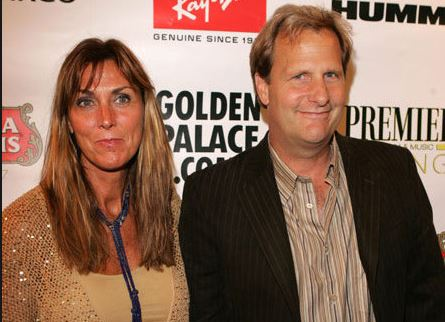 VIDEO: Kathleen Treado Daniels- Jeff Daniels' Wife (Bio, Wiki)