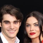 Jodi Lyn O'Keefe- Breaking Bad actor RJ Mitte's Girlfriend [PHOTOS]